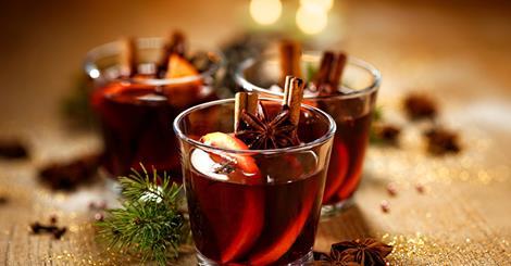 Glühwein - Χριστουγενιάτικο Ποτό - Ζεστό Κρασί - Κρασί Με Μπαχαρικά